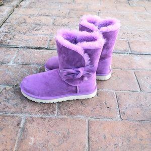 BNIB UGG  W DAELYNN with bow purple women size 7